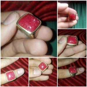 Jewelry - Vintage Red Gemstone Ring